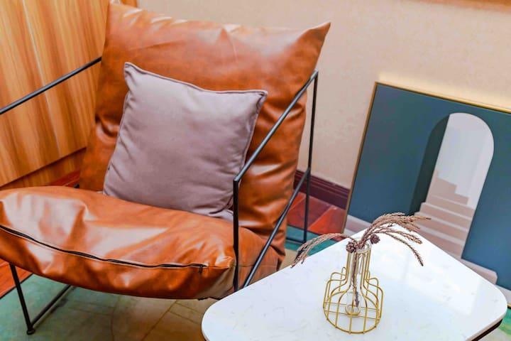 极简设计师沙发座椅