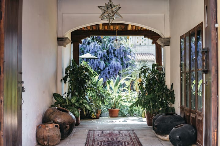 Jardín de Stela - Suite 5 - (Quiet and central!)