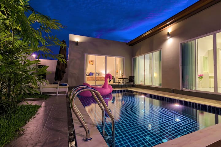 Private 3-bedroom pool villa near Laguna