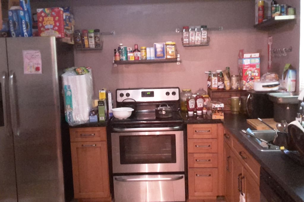 Fully Equiped Kitchen (Please be advised meals are not provided)
