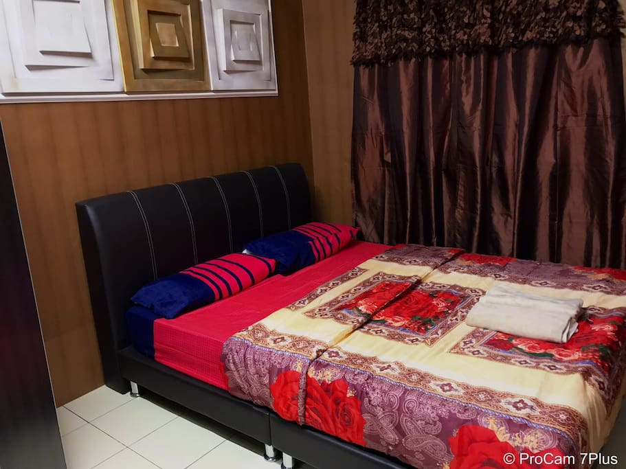 The second room only consists of queen bed and drawer but yet, can be considered complete!