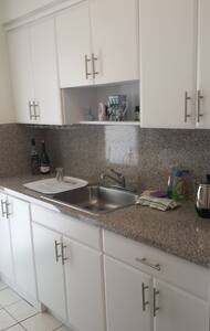 great area large one bed one bath - Coral Gables - Apartamento