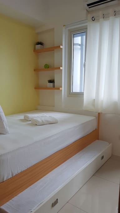 Comfortable pull-out beds