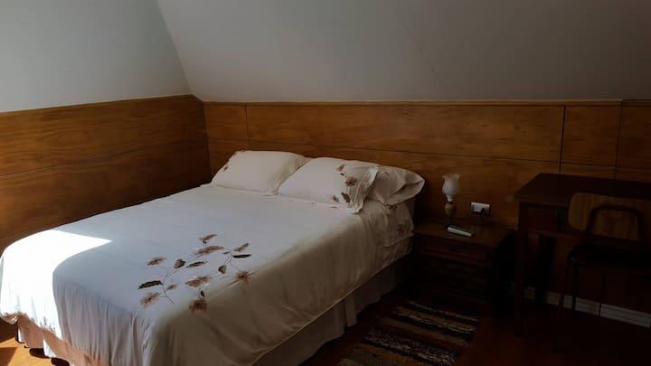 Habitación doble + baño privado