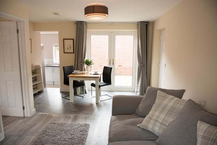 Orchard View Apartment - Little Witley