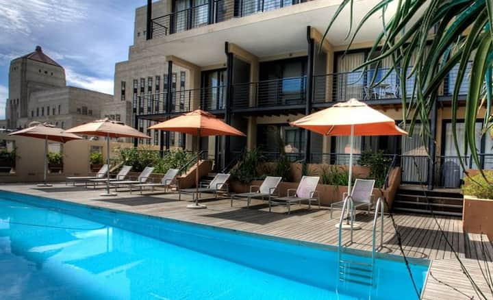 1 Bedroom in CBD with rooftop pool
