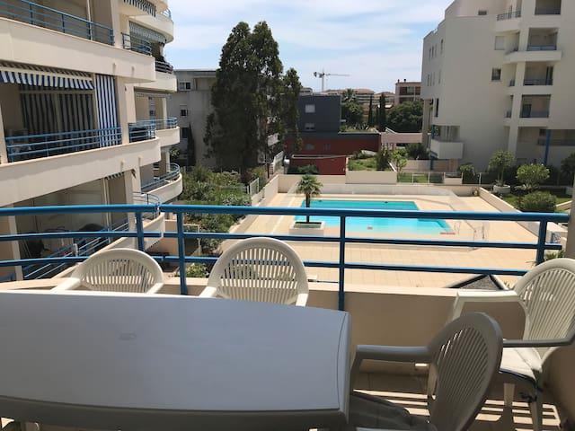 F3 à Fréjus plage ; piscine privée et mer à 300 m