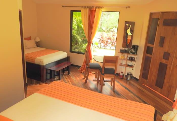 Guestroom El Tiburon - Bijagua - Szoba reggelivel