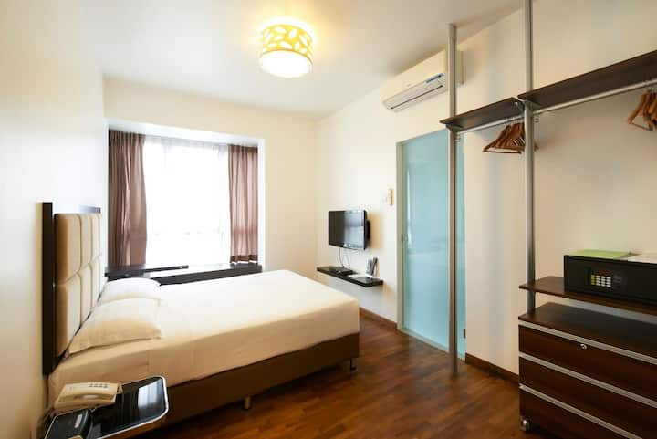 Amaze4 - Serviced Apartment in the East