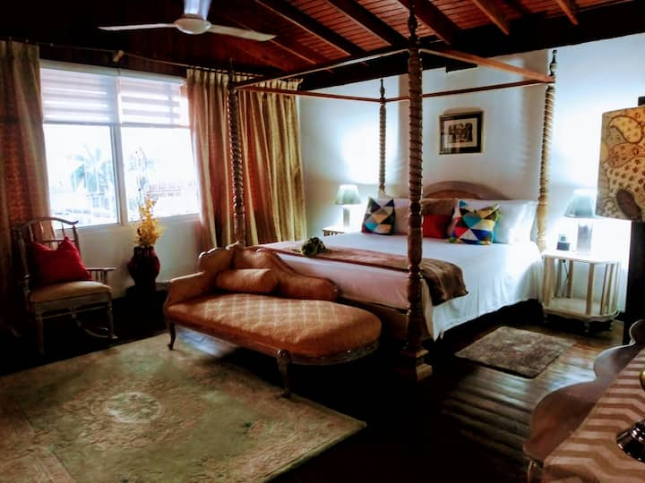Cozy 3 Apartment — Penthouse in the Heart of Ochi