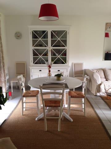 Maison Cosy au calme - Valdivienne
