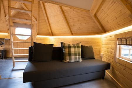 High quality cabin with views of Ben Nevis