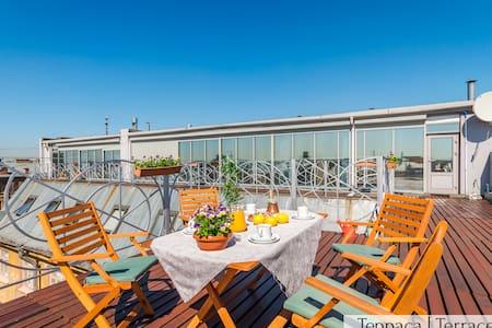 Panoramic LOFT+Terrace 5m to Nevskiy 200m2