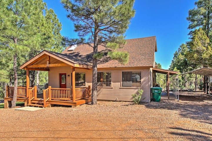 NEW! 4BR Show Low House by Hiking Trails w/ Deck!