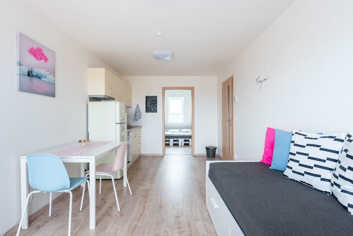 Cosy apartment with balcony 10 minutes from centre