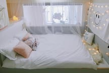 限时特价【live up民宿】room2「晚安」:市中心鼓楼双地铁商场换乘站的唯美清新公寓