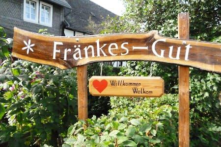"""Fränkes-Gut""  in Oberschledorn - Medebach - Lejlighed"