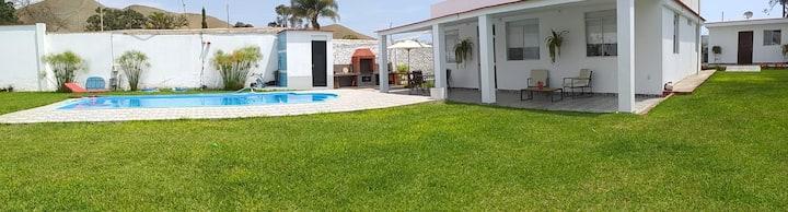 Habitacion con baño, TV y estacionamiento propio 2