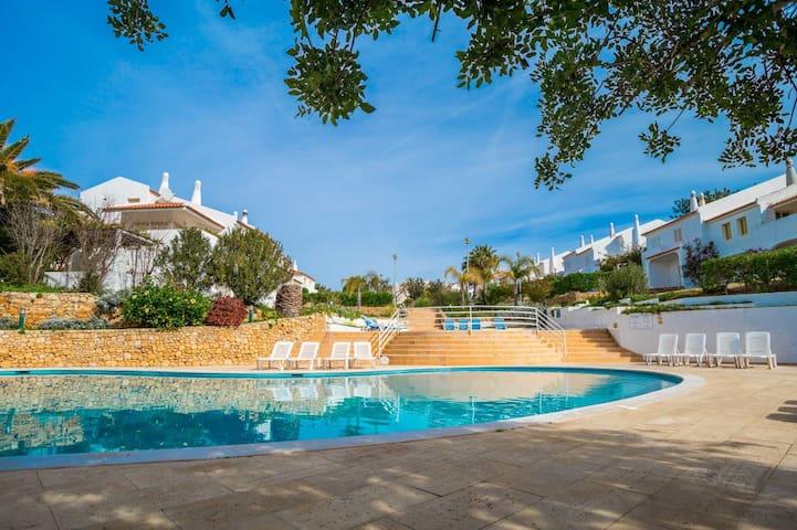 Ciri Brown Villa, Albufeira, Algarve