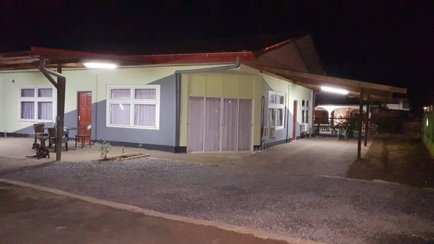 Paramaribo Noord in een rustige  woonwijk