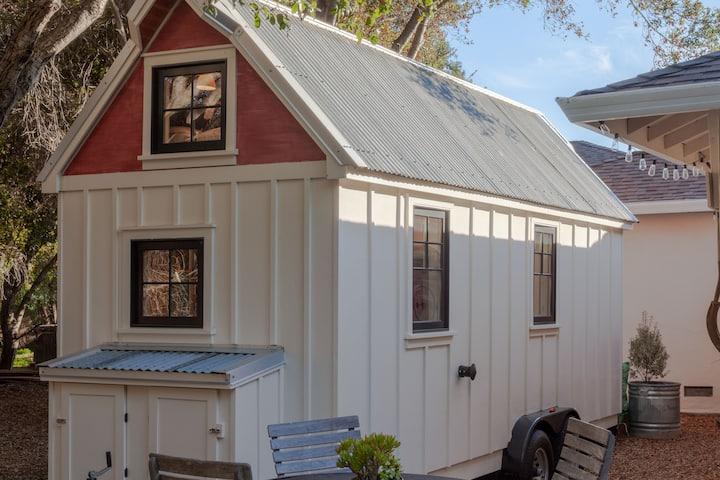 Quintessential Tiny Farmhouse in Silicon Valley