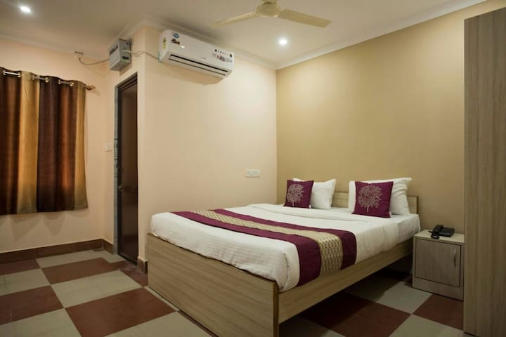 Lazystays Hospitality near INFOCITY, CARE HOSPITAL - Bhubaneswar - Bed & Breakfast