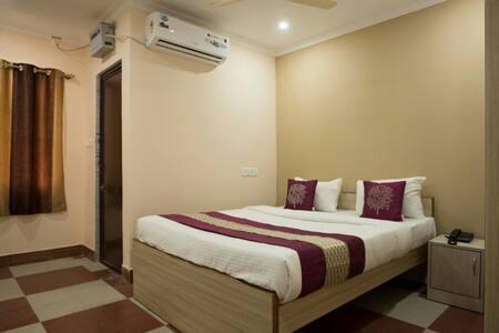 Lazystays Hospitality near INFOCITY, CARE HOSPITAL - Bhubaneswar