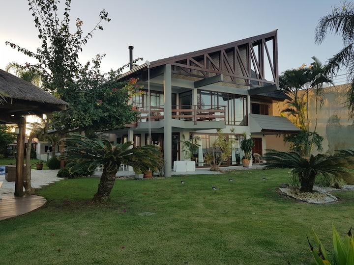 casa de férias num pequeno pedaço de paraíso.