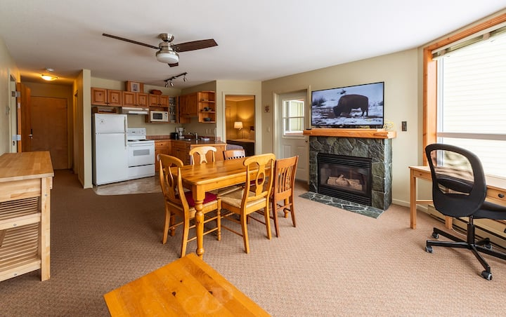 1 Bedroom with great Mountain Views at Timberline