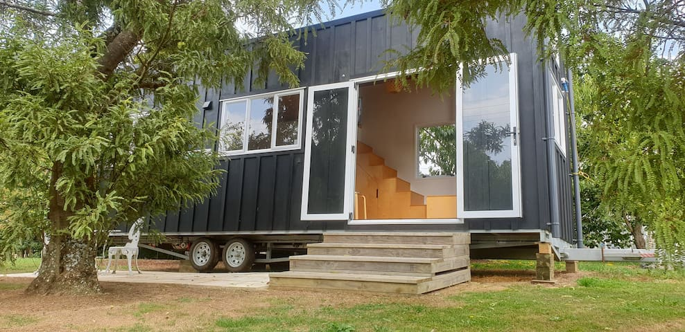 Taha Tiny Home (no cleaning fees)