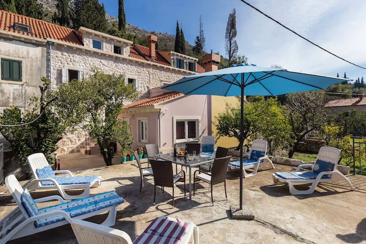 Tanya - Holiday home with terrace & sea view