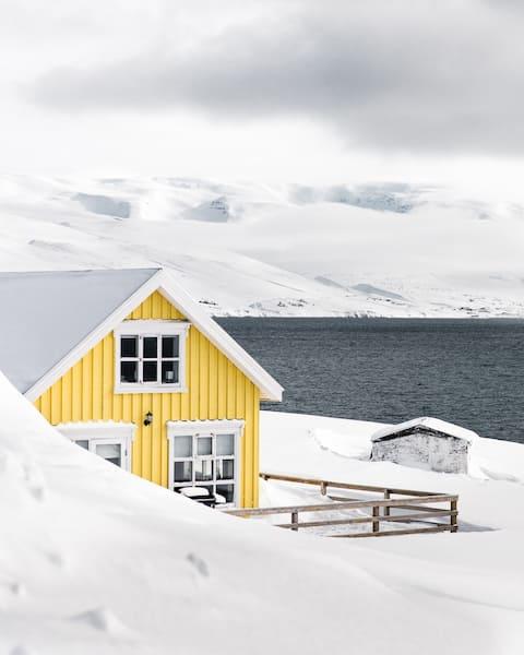 Fjord House  Kaunis Fjord View porealtaalla