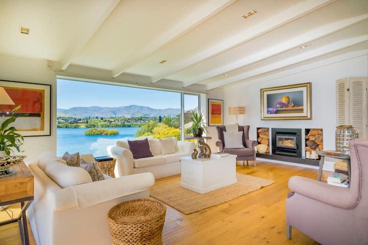Luxury Penthouse above Lake, Sunny, Amazing Views