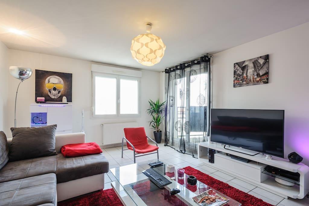 super logement pour s jour lyon appartements louer villeurbanne ra france. Black Bedroom Furniture Sets. Home Design Ideas