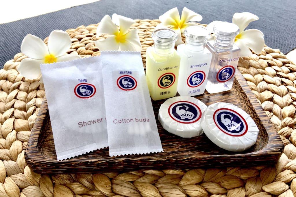 每房提供:洗髮精.沐浴乳.護髮素.香皂.浴帽.棉花棒