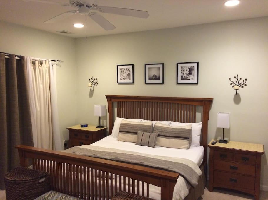 Master Suite with King bed an