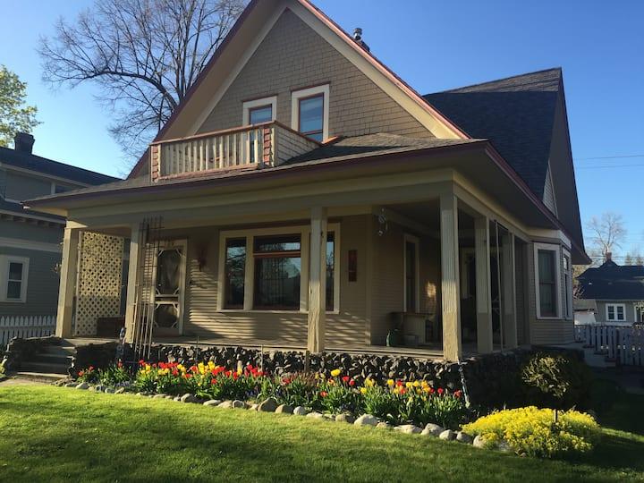 Apartment in Historic Home on Corbin Park