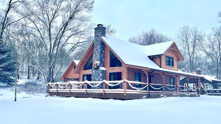 Lakeview Cabin~Romantic Getaway/Golf/Girls weekend