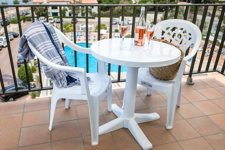 Pool view double room with breakfast included (2 PAX)