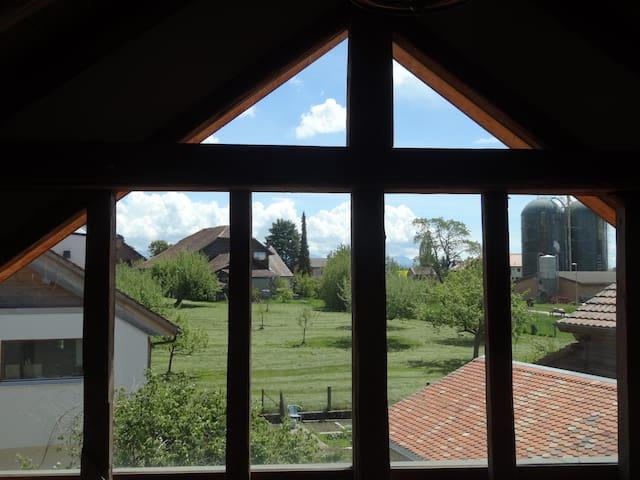 Maison villageoise, jardin, calme, 20' de Lausanne