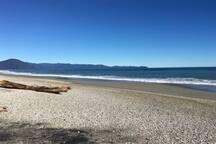 Hannahs Beach a 5 minute stroll away