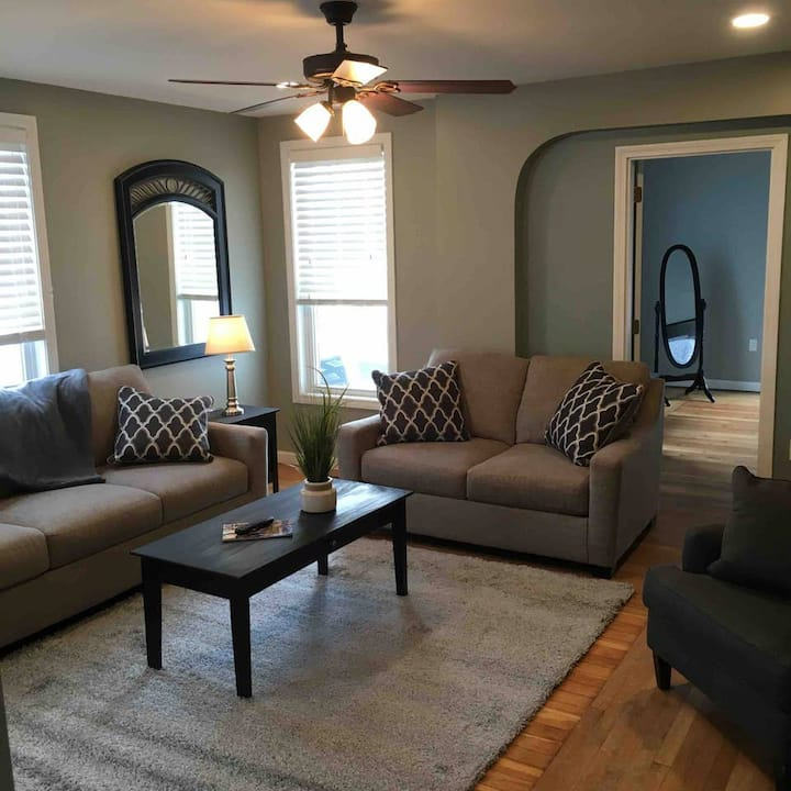 Newly Renovated 3 Bedroom in Manchester