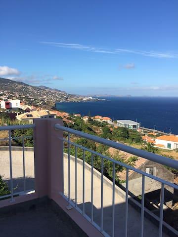 Jolie chambre avec vue sur la mer - Gaula - House
