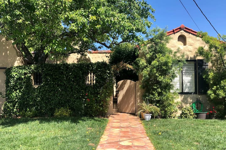 7-10 Day Summer Sublet Available in July