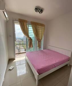 Room stay 2 pax, near Larkin interchgKSL,CIQ,CS#R4