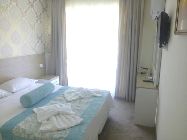 Double Room with Balcony - Nicea Hotel