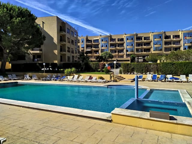 Appartement, piscine, tennis proche plage et Porto