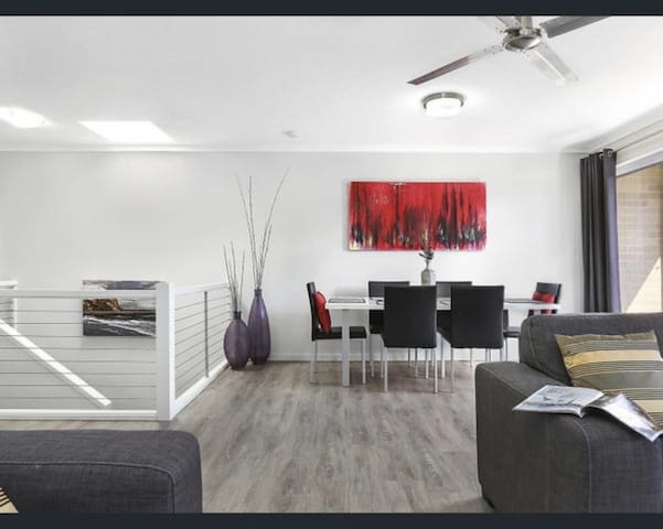 Private room in a great equipped Noosa apartment