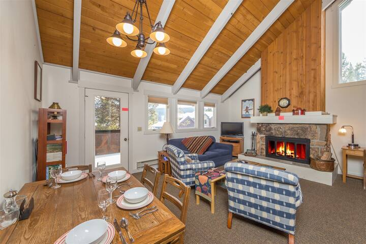 Cozy Curley Bear Condo with Community Pool/Hot Tub, and Winter Shuttle Service!