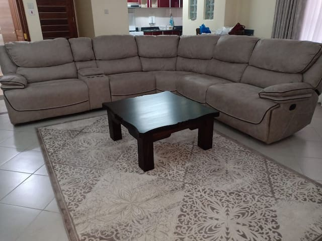 High End Fully Furnished and Seviced Apartments